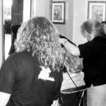 parrucchiere-bari-aldo-e-patrizia-lavorando